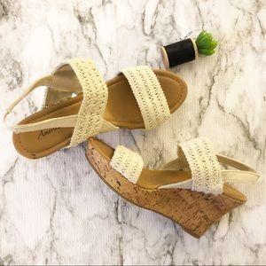 American Eagle Crochet Wedge Sandals sz 9